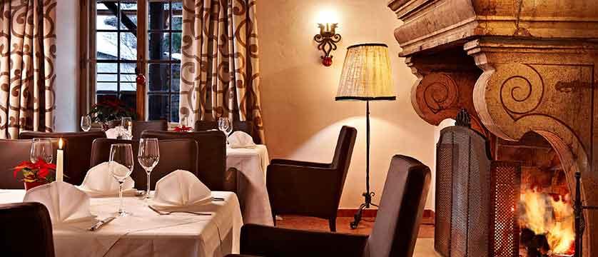 Austria_Kitzbuhel_Schloss_Mittersill_dining-room.jpg